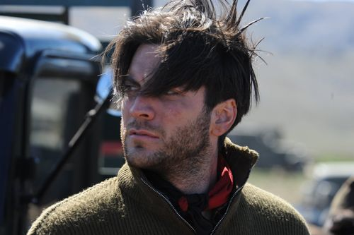There_be_dragons_wes_bentley_01