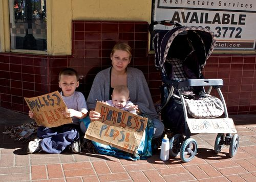 7992076Homeless-Family-Pic-2