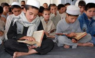 Muslim-Childrean-Learning